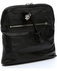 Alexander McQueen Black Leather Skull Padlock Clutch - Lyst