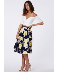 Missguided Gabriele Full Midi Skirt In Floral Print Navy - Lyst