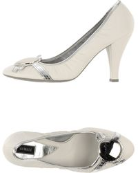 Vic Matie' White Pump - Lyst
