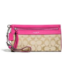 Coach Legacy Large Wristlet in Signature Fabric - Lyst