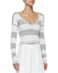 Alice + Olivia Wide-Stripe Cropped Knit Top - Lyst