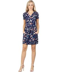 Izabel London - Navy Floral Print Pleated Shift Dress - Lyst