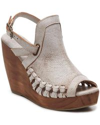 Very Volatile - Aspire Wedge Sandal - Lyst
