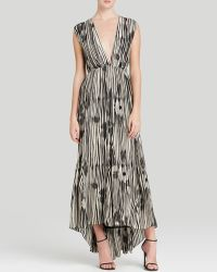 Alice + Olivia Maxi Dress - Lexa Ruched Woodgrain Print Silk - Lyst