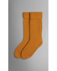 Burberry Knitted Cashmere Socks yellow - Lyst
