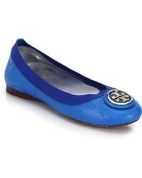 Tory Burch Caroline Snake-Embossed Leather Logo Flats - Lyst