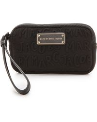 Marc By Marc Jacobs Adults Suck Universal Case Black - Lyst