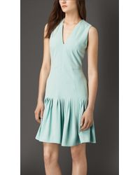 Burberry Drop Waist Silk-Blend Dress green - Lyst