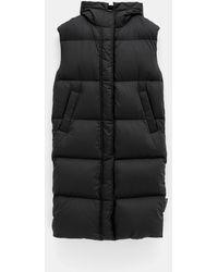 Moncler Comoe Sleeveless Coat