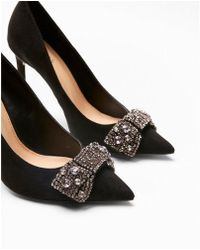 Express - Embellished Bow Pointed Toe Court Shoes - Lyst