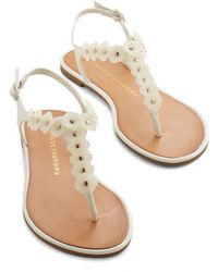 Chinese Laundry Garden Sing-Along Sandal In Ivory - Lyst