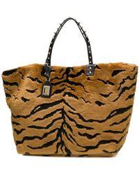 ad6ac349b468 Lyst - Dolce   Gabbana Beatrice Leopard maiolica Printed Canvas Tote Bag