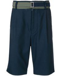 Sacai - Shorts chinos con cinturón - Lyst