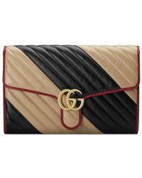 07b251052 Gucci Zumi Strawberry Print Card Case Wallet in White - Lyst
