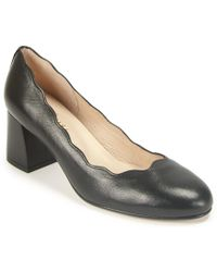 French Sole - Scalloped Pump - Lyst