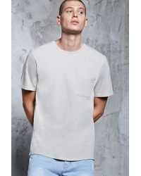 Forever 21 - T-Shirt mit Rundhalsausschnitt und Brusttasche - Lyst