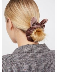 Free People - Knotted Velvet Scrunchie - Lyst