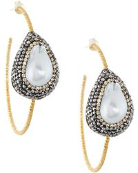 Native Gem - Ilume Freeform Pearl Hammered Hoop Earrings - Lyst