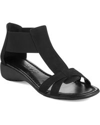 The Flexx - Band Together Saffiano Leather T-strap Sandals - Lyst