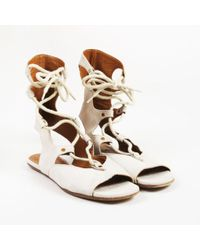 08bf39cbf4c3 Chloé - Beige Suede Open Toe Lace Up Gladiator Sandals - Lyst
