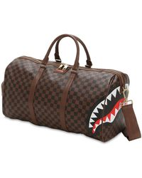 "Sprayground - Borsone ""Sharks In Paris Duffle"" marrone - Lyst"