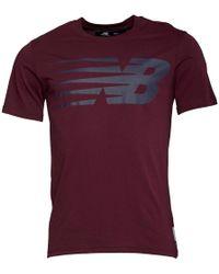 New Balance - Logo Graphic T-shirt Burgundy - Lyst