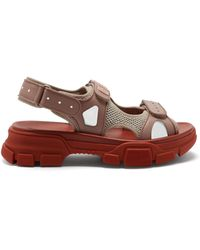 6c70d282005691 Lyst - Women s Gucci Flat sandals Online Sale
