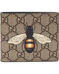 b5071861495 Gucci Beige GG Supreme Bee Wallet in Natural for Men - Lyst