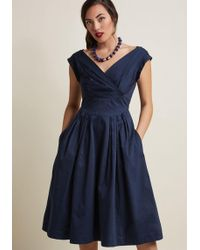 Emily and Fin - Keener Postures Midi Dress In Navy - Lyst