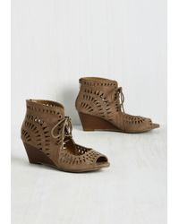 Shoe Magnate Inc | Tri On For Size Wedge In Taupe | Lyst
