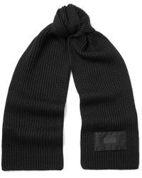 Prada - Logo-appliquéd Ribbed Virgin Wool Scarf - Lyst