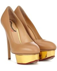 Charlotte Olympia - Pumps Dolly in pelle con plateau - Lyst