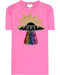 d5c13316 Lyst - Gucci Crystal Bow Cotton Jersey T-shirt in Pink