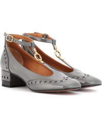 Chloé Perry Patent Leather Pumps - Gray