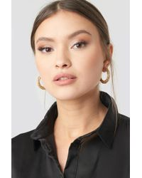 NA-KD - Twist Detailed Thick Hoop Earrings Gold - Lyst