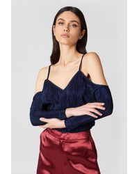 3037e4c9c767a6 NA-KD - Pleated Cold Shoulder Top Dark Navy - Lyst