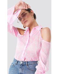 NA-KD - Flounce Sleeve Cold Shoulder Shirt - Lyst