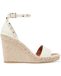 Valentino - Garavani The Rockstud Textured-leather Espadrille Wedge Sandals - Lyst