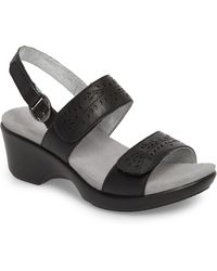 b9e74b51e5a680 Lyst - TOPSHOP Romi Cage Sandals in Black