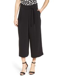 Anne Klein - Belted Cropped Trousers - Lyst