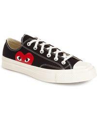 Comme des Garçons Large Emblem Low Top Canvas Sneakers - Red