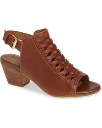 Comfortiva - Alanna Leather Sandal - Lyst
