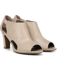 LifeStride - Cala Cutout Bootie - Wide Width Available - Lyst