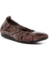 Arche - Laius Snake Embossed Slip-on Flat - Lyst