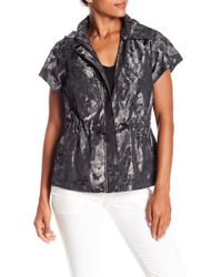 Laundry by Shelli Segal - Patterned Short Sleeve Jacket W/ Hoodie - Lyst