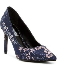 Charles David Denise Floral Embroidered Pump T9lTo