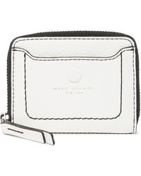 4a9988defd0 Marc Jacobs Empire City Leather Zip Wallet in Black - Lyst