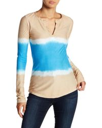 Go Couture - Printed Split Neck Tee - Lyst