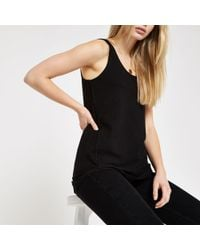 f71d30cf9e9ba9 TOPSHOP Bobble Lace Crop Tee in Black - Lyst