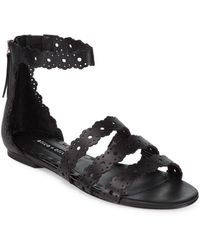 Alice + Olivia - Penny Scalloped Leather Flat Sandals - Lyst